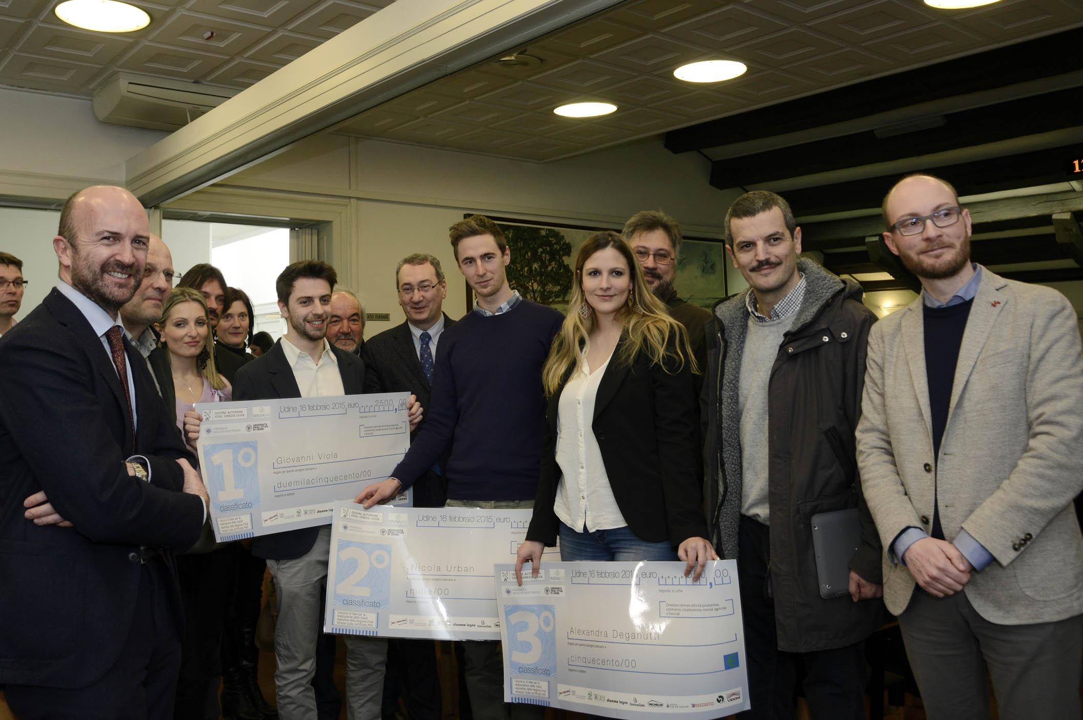 FVG: premiazione concorso di idee stand Regione con legno certificato PEFC