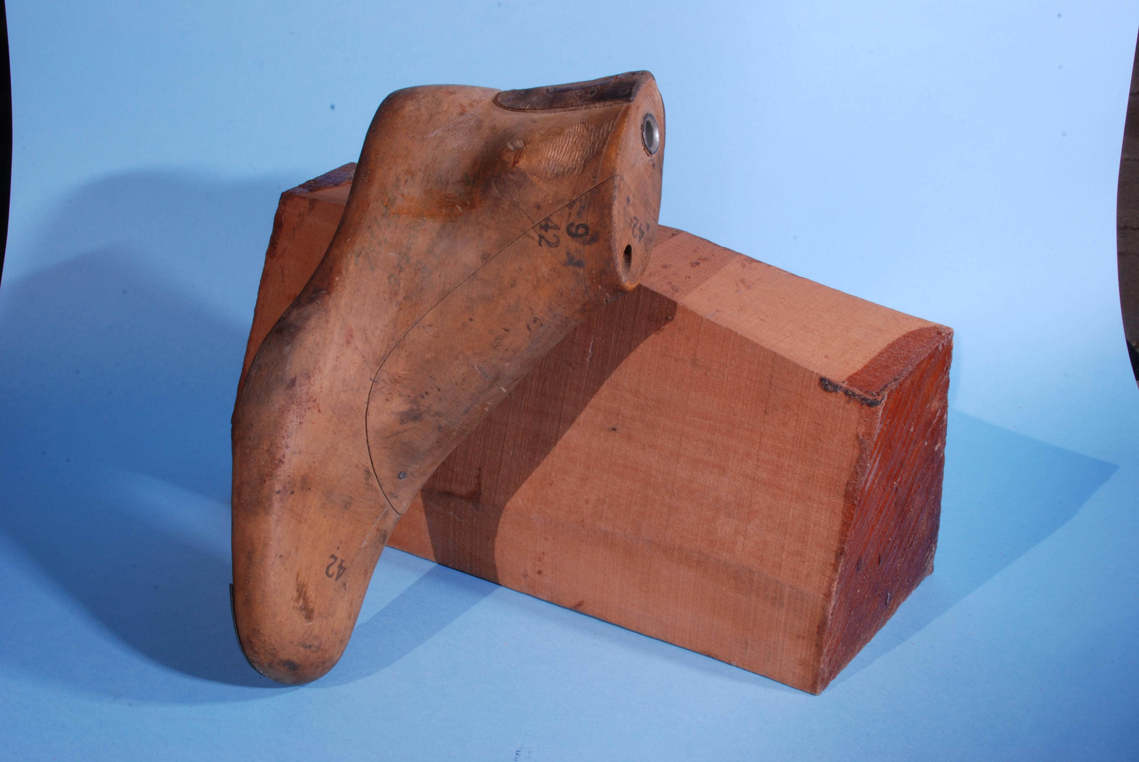 Prodotto del mese: Le forme per le scarpe della Segheria Gazzano